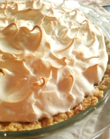 cropped-lemon-meringue-pie-closeup.png